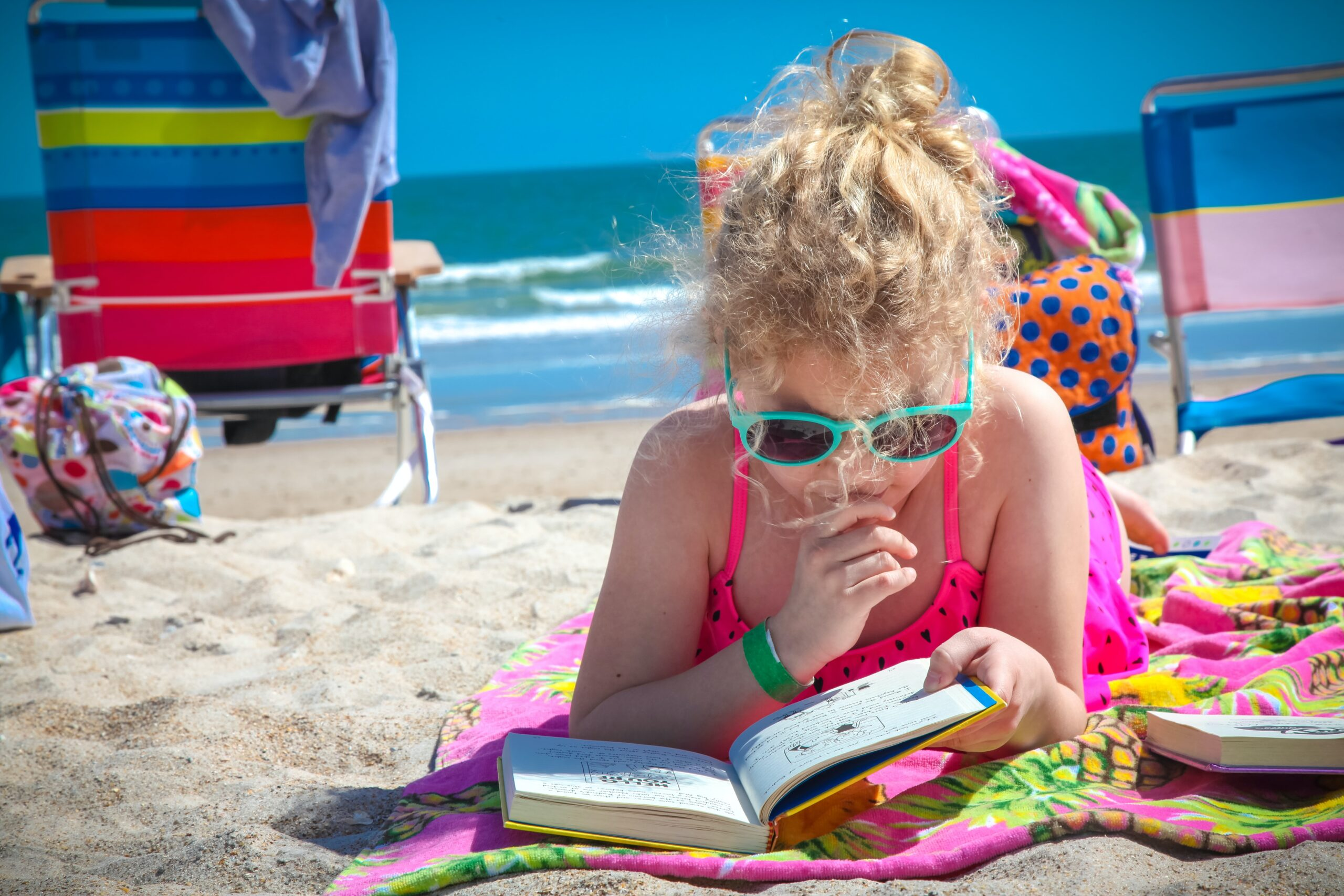 Топ 6 способов развлечь ребенка летом и остаться в здравом уме